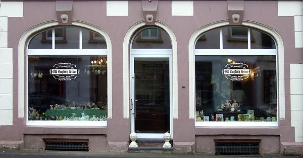 """""""Old English Store""""-Schaufenster"""